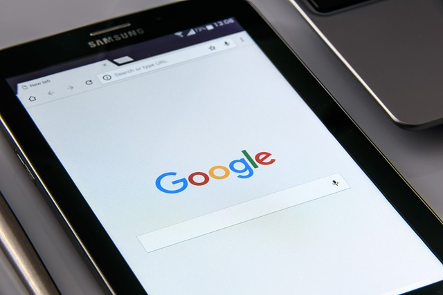 google on your smartphone 1796337 6400
