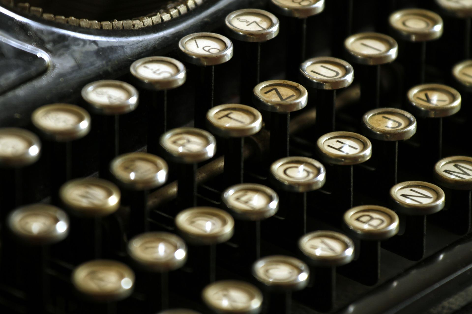 typewriter 472850 1920
